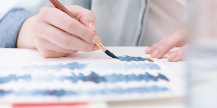 Jak zarabia na życie współczesny artysta malarz?