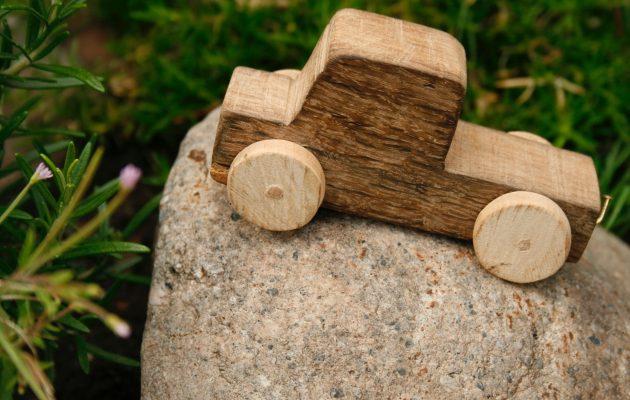 Drewniany domek dla lalek i jego zalety